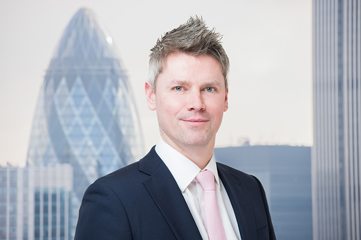 corporate headshots with London skyline background cityscapes