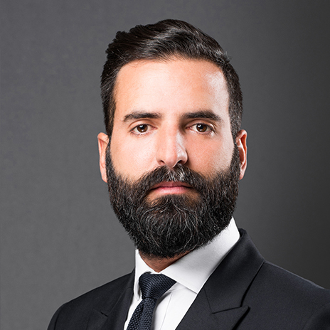 Serious no smile expression to look professional in your LinkedIn profile photo